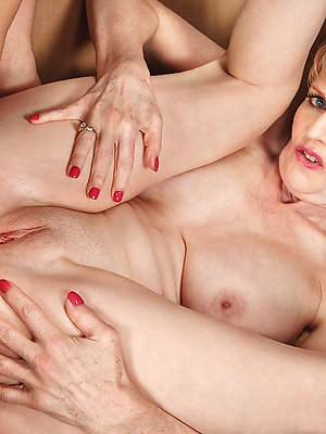 beautiful amatuer mature anal
