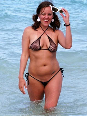 sexy hot mature bikini babes