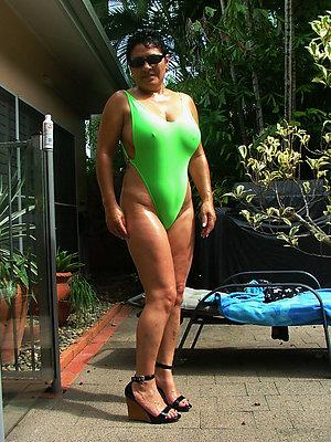 naughty mature bikini galleries