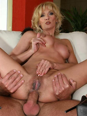 fantastic nude mature wife