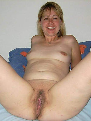 gorgeous mature nude wife pics