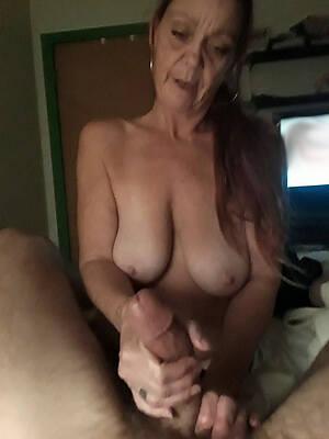 bared pics of sexy mature handjobs