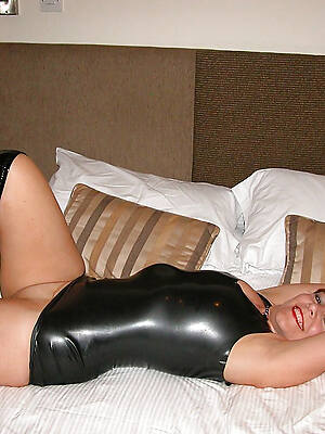 hot old women with reference to latex dabbler porn pics