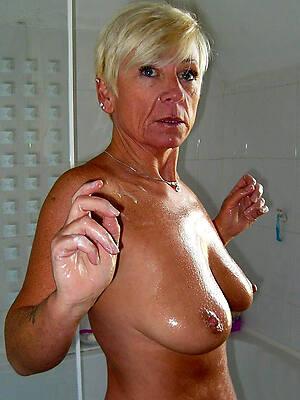 sexy amateur mature shower pictures