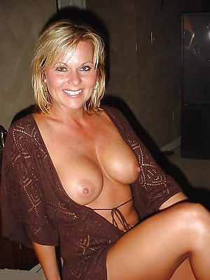 curvy mature women nude photos