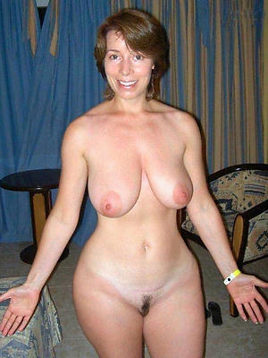 naughty mature housewives pictures