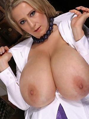 naked adult milf big tits