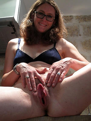 cuties mature hairy cunt pics