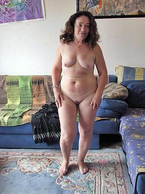 beautiful mature nude moms