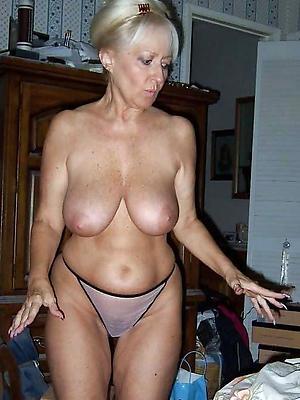 mature slut wifes posing unclothed