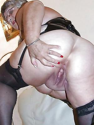 old lady vagina posing nude