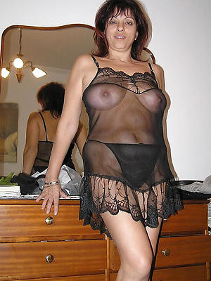 gorgeous mature erotic women