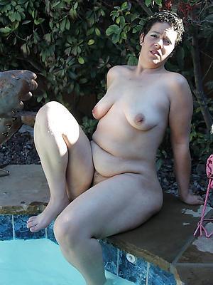 posing nude mature erotic models