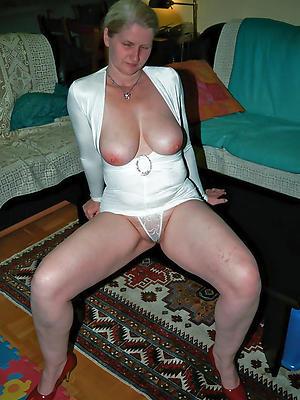 naked mature erotic photos