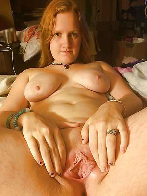 hot readhead pussy posing nude
