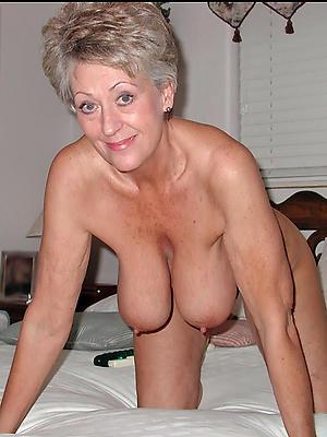 posing nude hairy european women