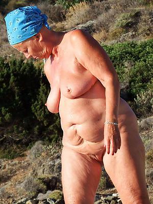 grandma pussy posing nude