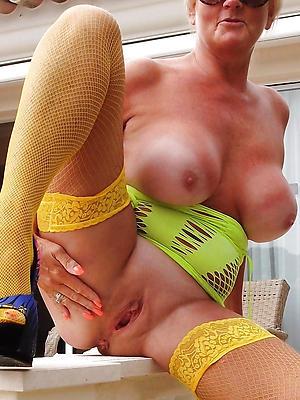 curious beautiful mature women porn pics