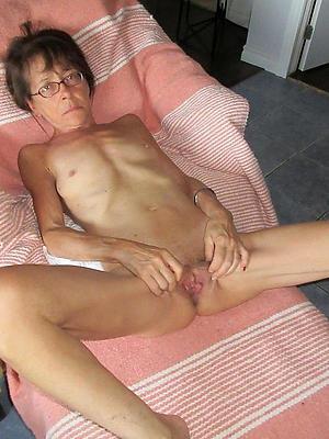 be deficient skinny mature small tits porn pics