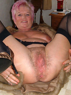 super-sexy mature vulva naked
