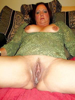 beautiful mature vulvas porn pics