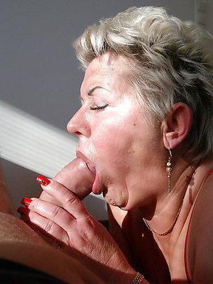 horny free run off mature blowjobs pics