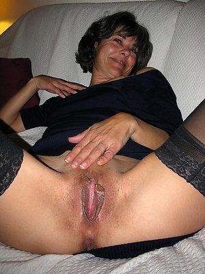 porn pics of mature brunette nude