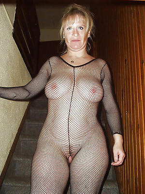 curvy mature women in nylons