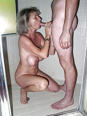 unconforming pics of mature mom blowjob