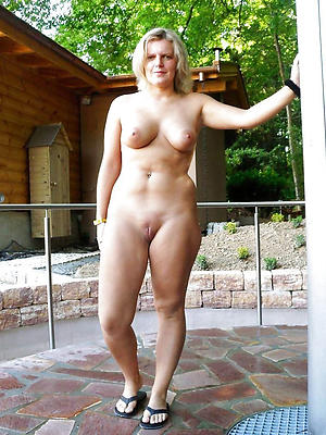 gorgeous on the level mature milf nude pics