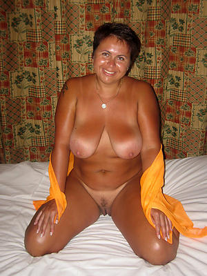 sexy of age housewives posing nude