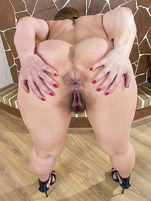 porn pics of big swag mature moms