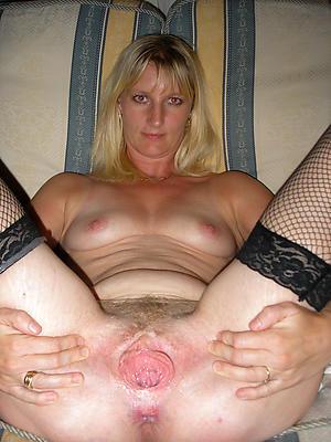 sexy mature mom unescorted porn pics