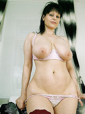 slutty mature brunettes porn pics