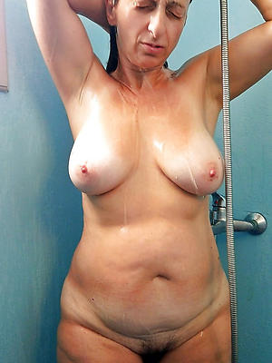 wonderful mature to shower nude pics