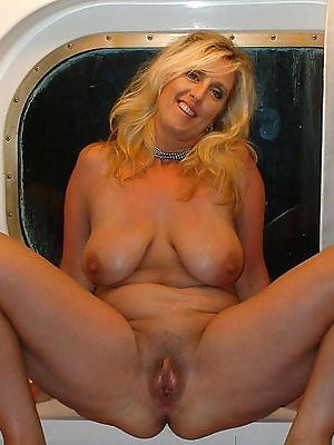 naughty mature intemperance 40 uncovered pics