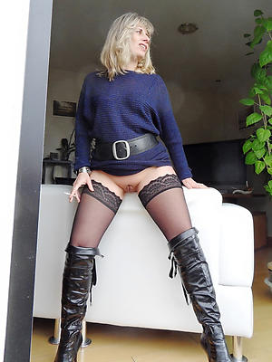 free pics of mature women over 40