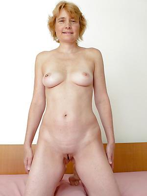 splendid european milf nude pictures
