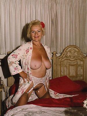 gorgeous vintage mature tits porn homemade