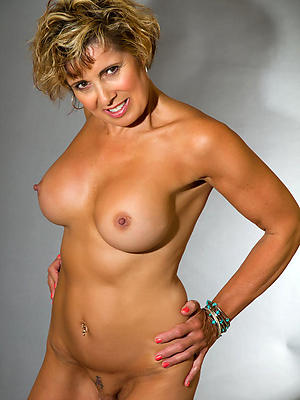 wonderful grown-up single women over 40