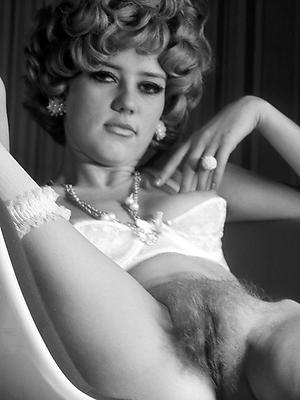 porn pics of vintage grown-up women