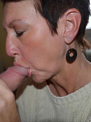 naught mature lady blowjob photo