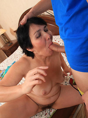 free pics of mature lady blowjob