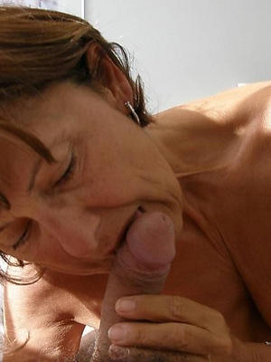 beautiful mature housewife blowjob pics