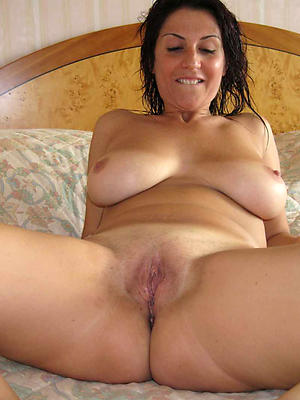 fantastic sexy mature solo homemade pics