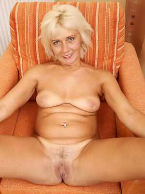xxx white mature woman