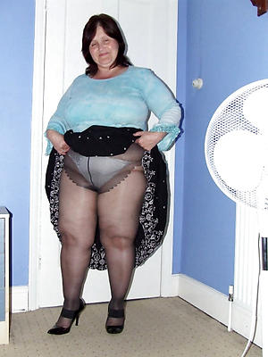 fantastic grown up column in nylons starkers pics
