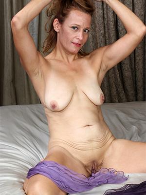 xxx classic mature women nude pics