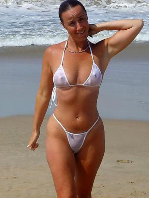 fantastic mature bikini moms porn pictures