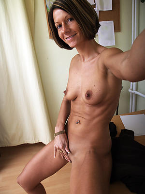 free pics of naked mature homemade selfie